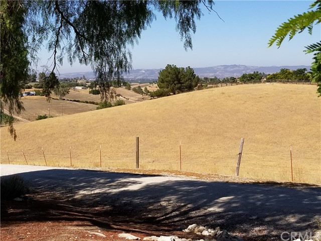 6260 Independence Ranch Lane, San Miguel CA: http://media.crmls.org/medias/a33ee6ac-b442-48f6-bd3d-df7e4df1d69c.jpg