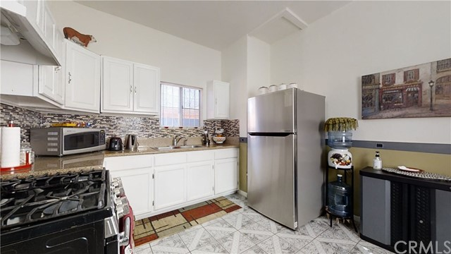 11803 Compton Avenue, Los Angeles, California 90059, 2 Bedrooms Bedrooms, ,1 BathroomBathrooms,Single family residence,For sale,Compton,TR20214959