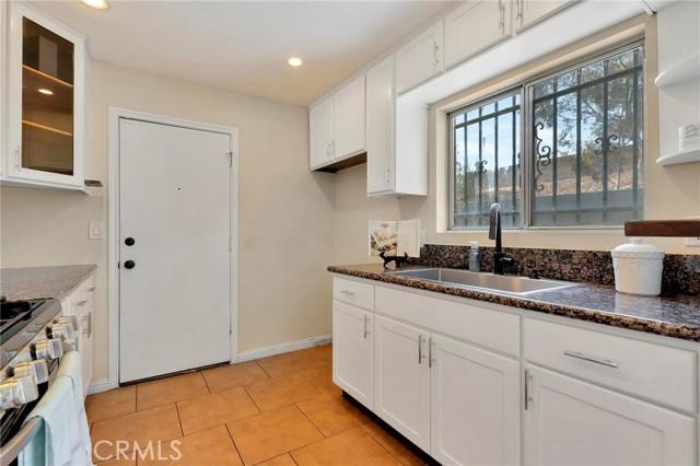 850 E 116th Place, Los Angeles CA: http://media.crmls.org/medias/a36e5b0b-ff32-45ae-b182-0b54ec27032e.jpg