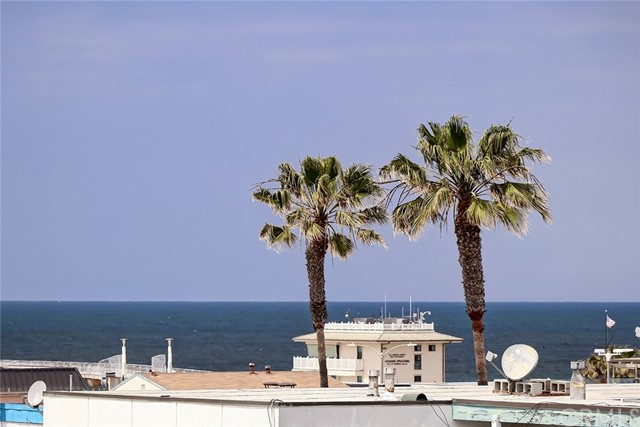 918 Manhattan Ave, Hermosa Beach, CA 90254 photo 2