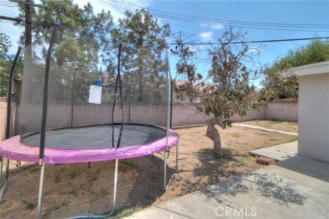 1635 Mcwethy Street, Fontana CA: http://media.crmls.org/medias/a3a0da32-6d4c-43cb-a977-5eada9328747.jpg