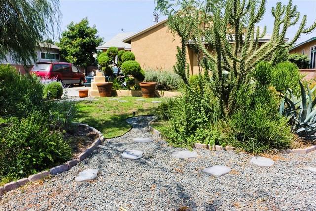 10435 Nichols Street, Bellflower CA: http://media.crmls.org/medias/a3aa9cd7-8e91-43a2-8414-718d951d9cc4.jpg