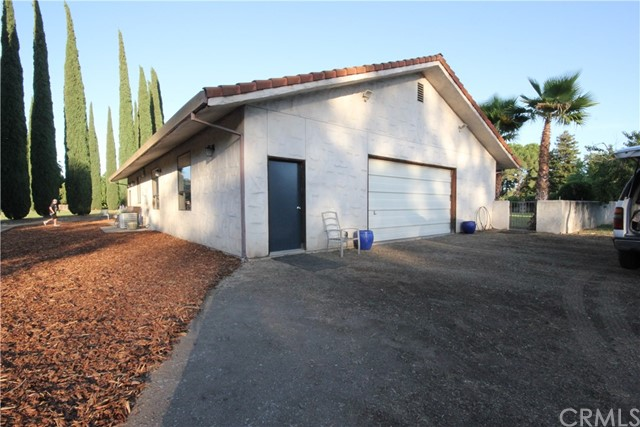 37 Caruthers Lane, Chico CA: http://media.crmls.org/medias/a3abc456-a0d0-42b3-8312-319bf82412d0.jpg