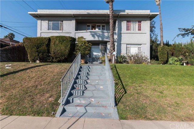 Residential Income for Sale at 29 Kennebec Avenue 29 Kennebec Avenue Long Beach, California 90803 United States