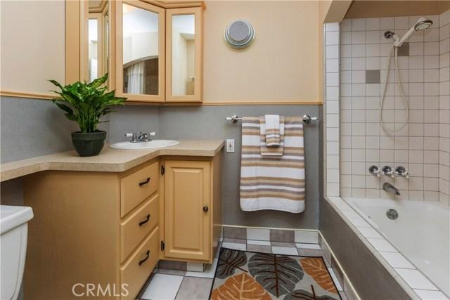 3601 Linwood Place, Riverside CA: http://media.crmls.org/medias/a3d2c092-e0c0-45e8-85ac-4fceb385bb5d.jpg