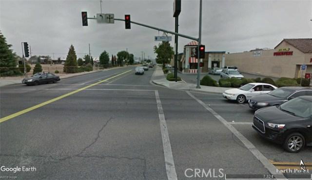 9459 C Avenue, Hesperia CA: http://media.crmls.org/medias/a3d5b408-c73c-482a-b87c-d1ee10603b1d.jpg