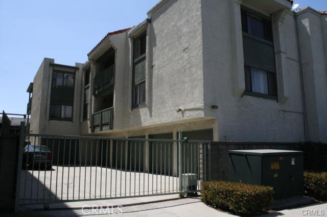 4515 California Avenue, Long Beach CA: http://media.crmls.org/medias/a3e59696-bba4-4890-8ae2-09b9645e8938.jpg