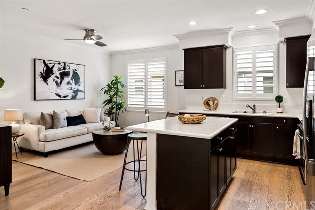 12822 Manhattan, Hawthorne, California 90250, 3 Bedrooms Bedrooms, ,3 BathroomsBathrooms,Townhouse,For Sale,Manhattan,SB19264053