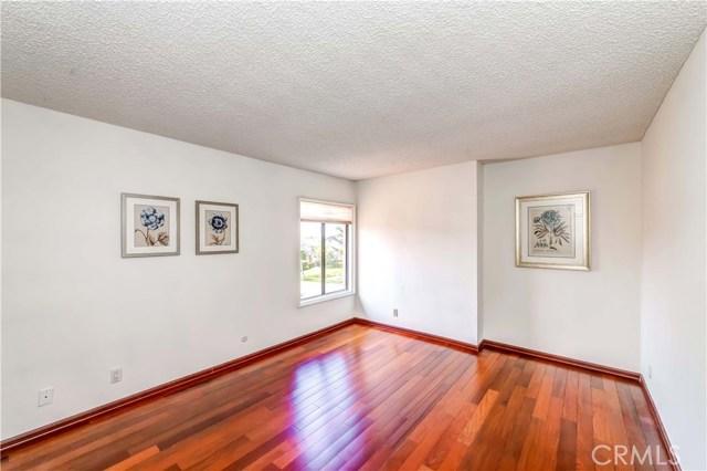 1750 Baronet Place, Fullerton CA: http://media.crmls.org/medias/a3e8f3ca-f840-403c-8fd3-a0891b5c357b.jpg