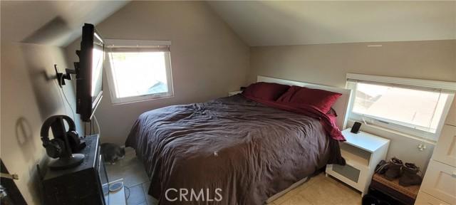 354 Crosby Street, Altadena CA: http://media.crmls.org/medias/a3ef523b-473f-4af3-aa70-059c3461d2e8.jpg
