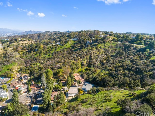 14811 Jadestone Drive, Sherman Oaks CA: http://media.crmls.org/medias/a3fabf55-d1c1-4e30-be13-28cf33fbb28b.jpg