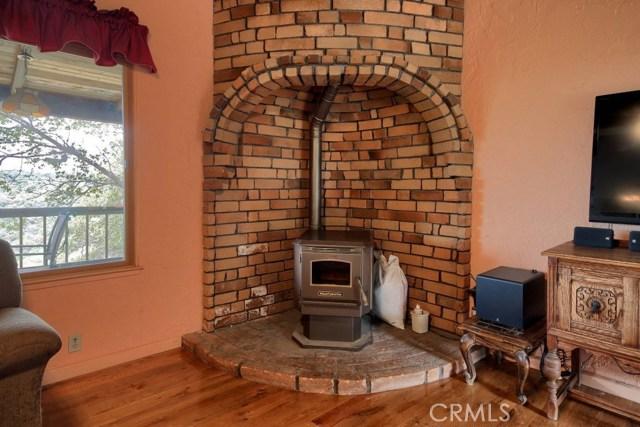 31434 Wyle Ranch Road, North Fork CA: http://media.crmls.org/medias/a3fe2ebb-7c68-46e0-b4c4-e9694b391259.jpg
