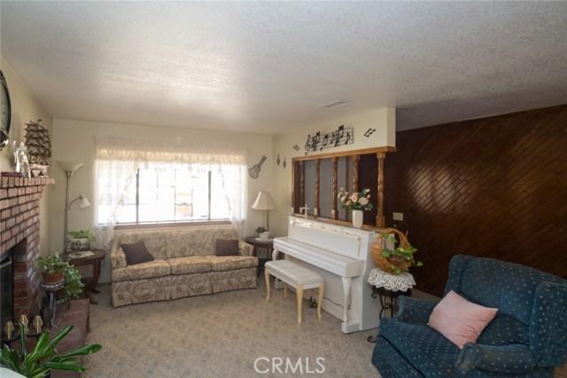 7839 Windsor Avenue, Hesperia CA: http://media.crmls.org/medias/a40cc0de-2545-4217-9b26-90d9fa36c702.jpg