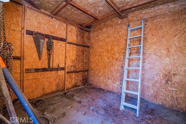 1622 E 40th Place, Los Angeles CA: http://media.crmls.org/medias/a40e6841-79f1-4a7b-af68-9ae4379e06d8.jpg