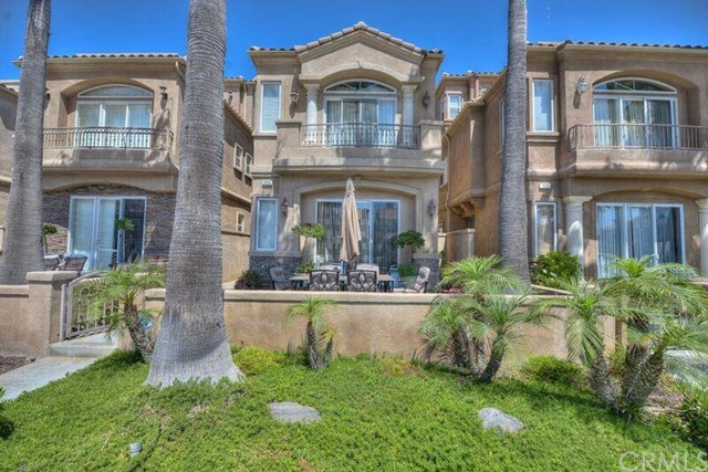 Single Family Home for Sale at 115 18th Street Huntington Beach, California 92648 United States