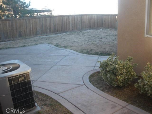 14621 Nelson Avenue, Victorville CA: http://media.crmls.org/medias/a425a7da-b379-45aa-a719-a0372871cccc.jpg