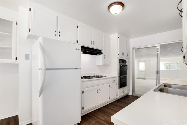 9935 Oso Avenue Chatsworth, CA 91311 - MLS #: BB18142435