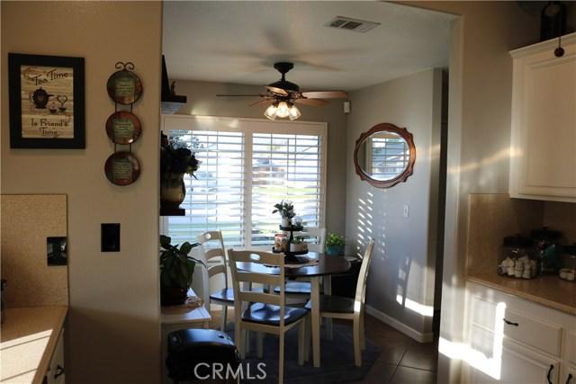 359 Flordason Drive, Calimesa CA: http://media.crmls.org/medias/a42b98a4-614f-48fe-9339-0158cd37fd30.jpg