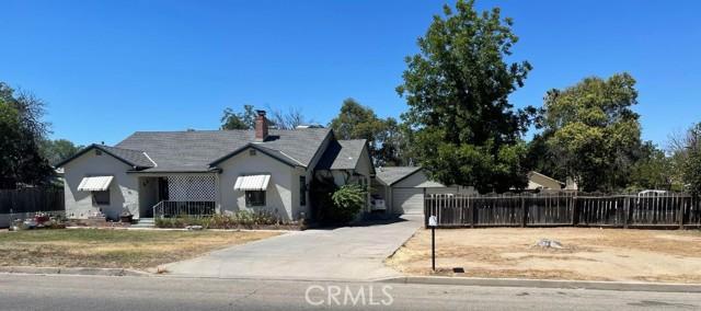 4931 E Belmont Avenue, Fresno CA: http://media.crmls.org/medias/a43470fb-a3d4-410e-8a79-59b6987c94a9.jpg