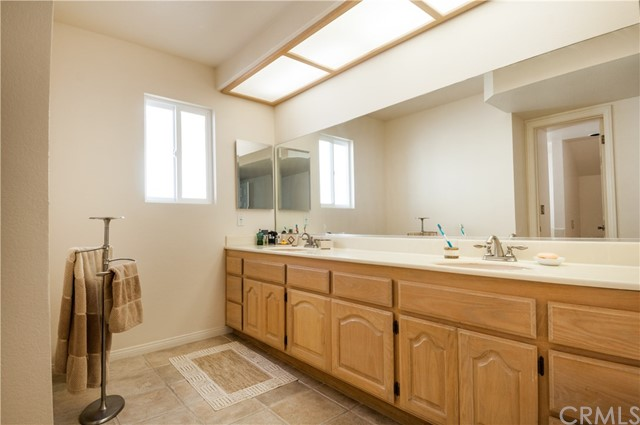 Additional photo for property listing at 3827 Bluff Street  Torrance, California,90505 Hoa Kỳ