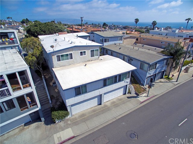 740 Manhattan Beach Boulevard, Manhattan Beach CA: http://media.crmls.org/medias/a43eb3ba-35bd-40ba-88a9-b2216bbd9b19.jpg