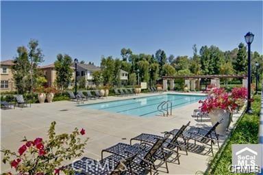 148 Hedge Bloom, Irvine, CA 92618 Photo 4
