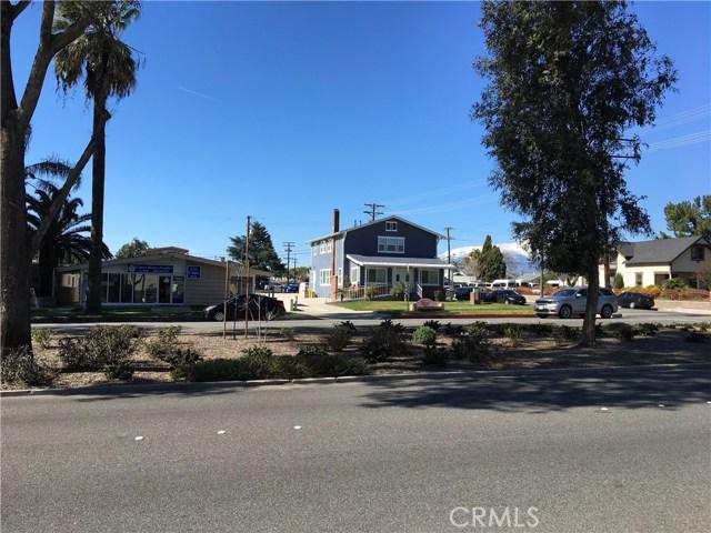 239 N Riverside Avenue, Rialto CA: http://media.crmls.org/medias/a44d45d5-17f2-46af-9ef2-86ec2955c9a2.jpg