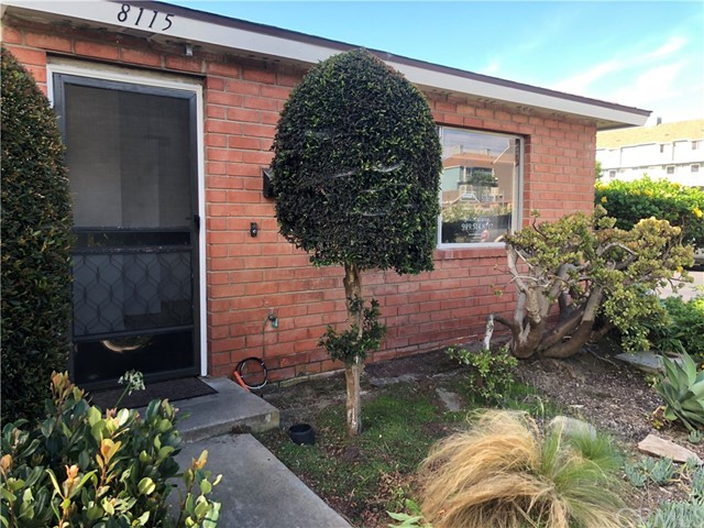 8115 Foxhall Drive , CA 92646 is listed for sale as MLS Listing OC18211663