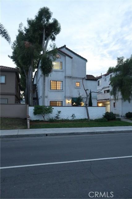 1956 Plaza Del Amo, Torrance, California 90501, 3 Bedrooms Bedrooms, ,3 BathroomsBathrooms,Townhouse,For Sale,Plaza Del Amo,SB19277732