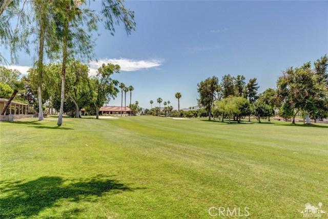 73450 Country Club Drive, Palm Desert CA: http://media.crmls.org/medias/a46c8f23-32ce-4e88-8272-0c7be4acdd72.jpg