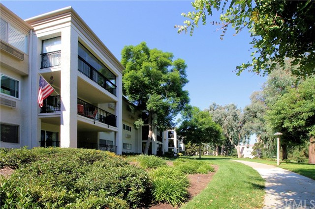 5518 PASEO DEL LAGO Unit 3E Laguna Woods, CA 92637 - MLS #: OC17127479