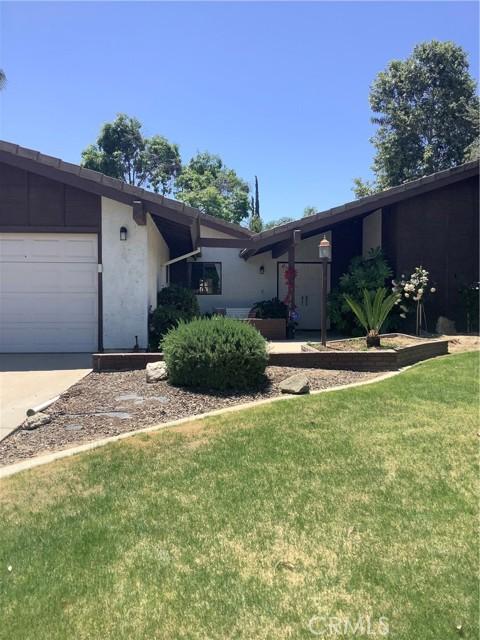 6904 Ranch House Road, Bakersfield CA: http://media.crmls.org/medias/a47d21d9-3e94-4116-a0a7-203895ea88a8.jpg