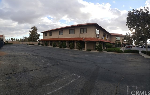 15888 Main Street Hesperia, CA 92345 - MLS #: CV18265813