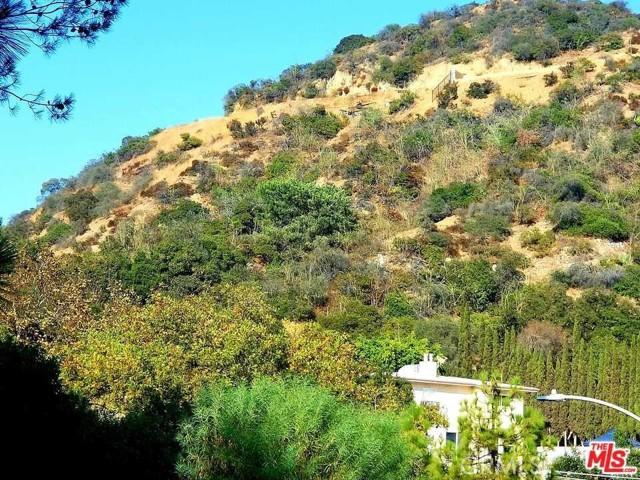 2625 N Dominion Lane Lane, Los Angeles CA: http://media.crmls.org/medias/a49c5240-acd1-40f6-aec2-642e9f59bd12.jpg