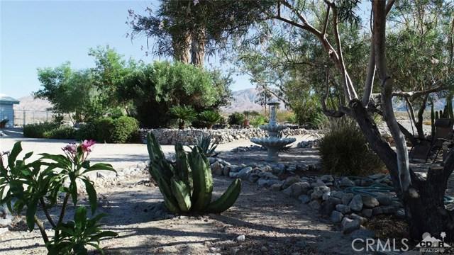 26201 Hopper Road, Desert Hot Springs CA: http://media.crmls.org/medias/a4a263d0-4df6-4535-a58c-b493fd7b9413.jpg