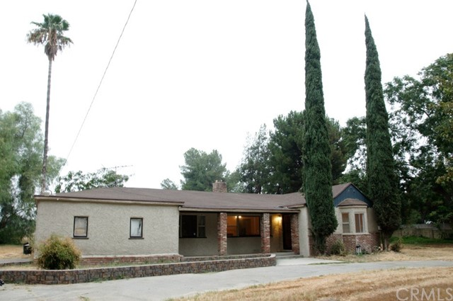 Single Family Home for Sale at 11188 Laurel Avenue Bloomington, California 92316 United States