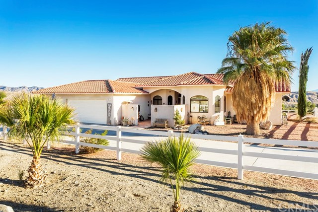 Single Family Home for Sale at 10745 Pinon Avenue Morongo Valley, California 92256 United States