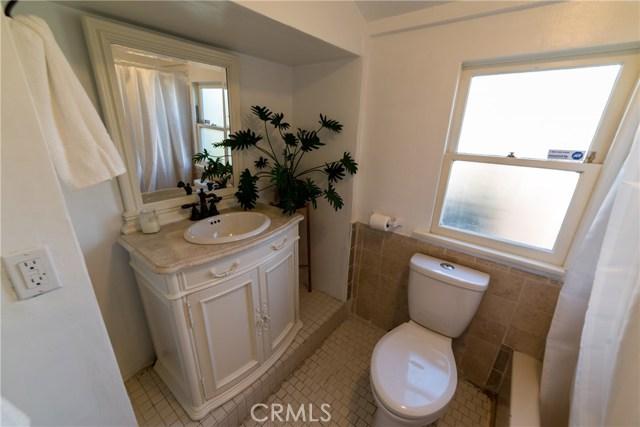 1154 N Loma Vista Dr, Long Beach, CA 90813 Photo 17