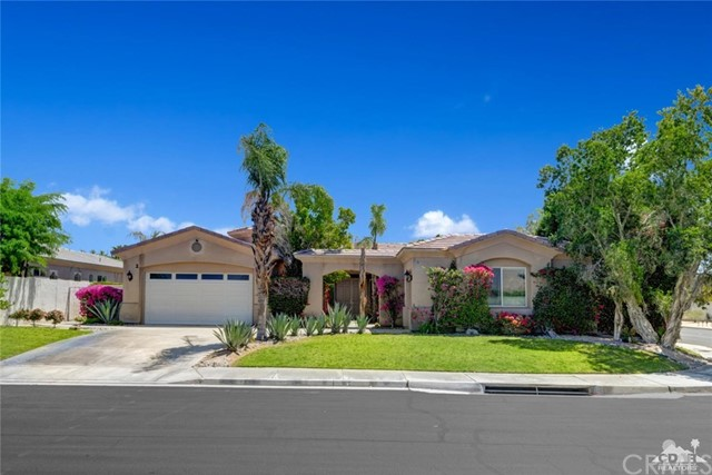2 Orleans Road, Rancho Mirage CA: http://media.crmls.org/medias/a4b63327-ce7e-482a-afe8-3c81df5219e1.jpg