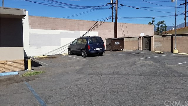 Additional photo for property listing at 1180 Highland Avenue E  San Bernardino, California 92404 United States