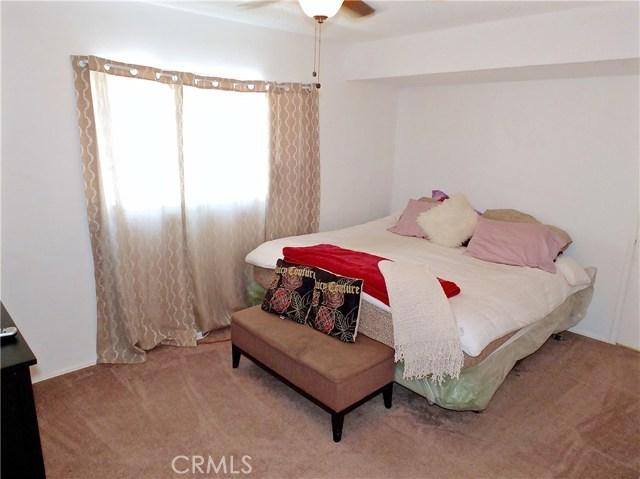 2774 Delta Avenue, Long Beach CA: http://media.crmls.org/medias/a4ccd525-6576-4d78-8425-2ef6ae6c2bf9.jpg