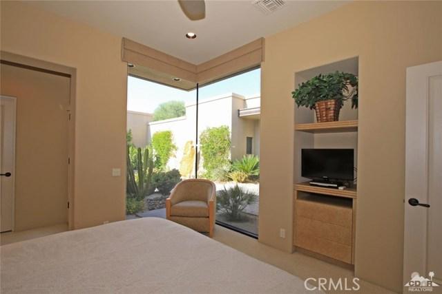 428 Morning Dove, Palm Desert CA: http://media.crmls.org/medias/a4cd4b0b-addb-4989-a005-238bd61289d1.jpg