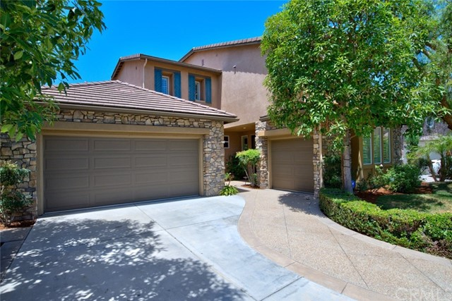 2588 N Kendra Drive, Orange CA: http://media.crmls.org/medias/a4cec7a8-668e-4a9a-91db-fd7fe605db54.jpg