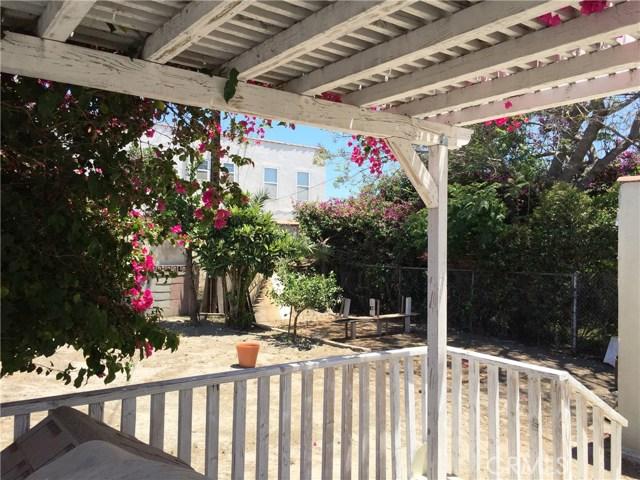3010 BRONSON AVE S Avenue, Los Angeles CA: http://media.crmls.org/medias/a4d1880f-efae-4dd3-a2e0-2006e6e45523.jpg