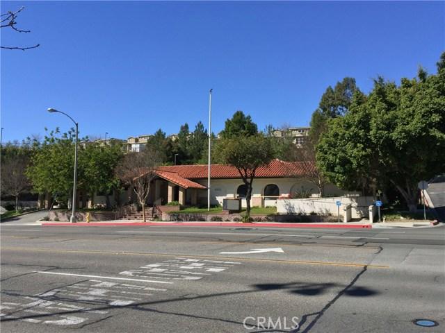 1441 N Brea Boulevard, Fullerton CA: http://media.crmls.org/medias/a4d64171-9a43-4bd3-89ff-1c444949a38f.jpg
