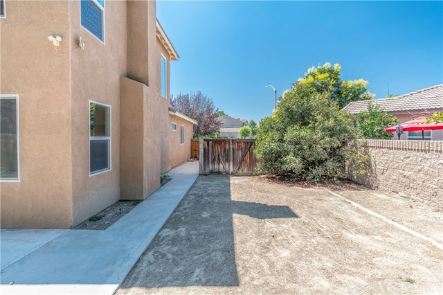 1307 Reinhart Street, San Jacinto CA: http://media.crmls.org/medias/a4e2b372-8008-4e72-8b3d-693cdb84dc22.jpg