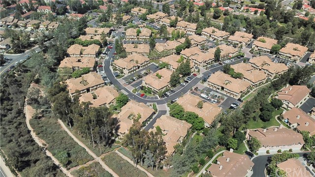 87 Waxwing Lane, Aliso Viejo CA: http://media.crmls.org/medias/a4f28c06-bd23-4ea9-b05b-ef2a5ee87e9e.jpg