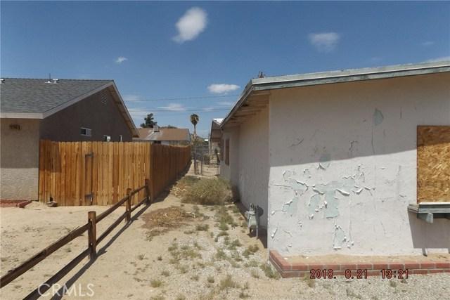 72256 Sunnyvale Drive, 29 Palms CA: http://media.crmls.org/medias/a4f6ec0a-6b13-4af5-83cc-1c9c8db47817.jpg