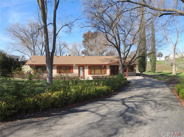 6870 Cabernet Road, Paso Robles, CA 93446