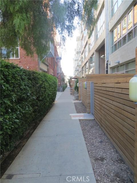 527 S Molino Street, Los Angeles CA: http://media.crmls.org/medias/a5403565-0a76-42a8-a4fb-fd77629bb591.jpg